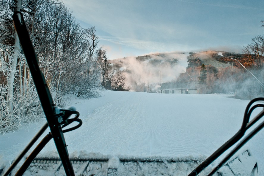 121206_groom_cat_int_to snowmaking_HS 2400px